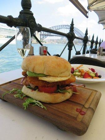 Sydney Cove Oyster Bar: Les vacances commencent bien!   :-)