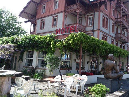 Hotel Sonne: Interlaken - Sonne - view