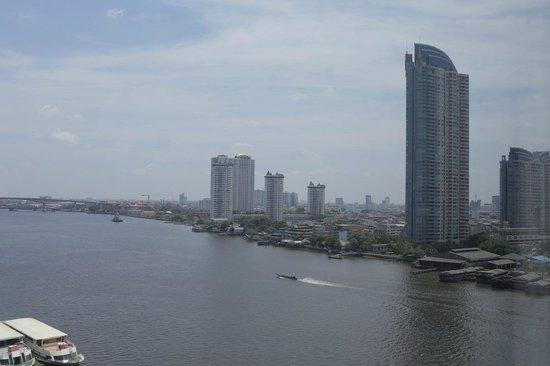 Ramada Plaza Bangkok Menam Riverside: View from 14th floor