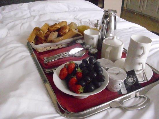 Hotel Villa Navarre : petit déjeuner en chambre