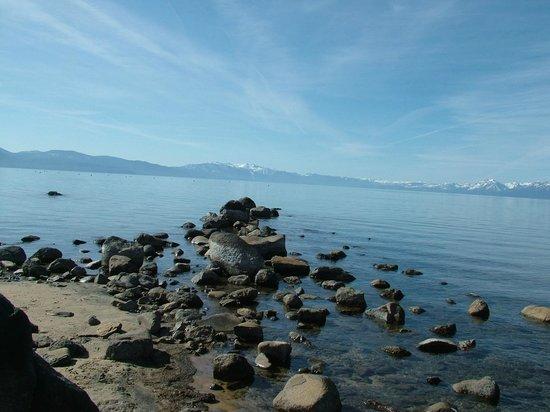 Mourelatos Lakeshore Resort: beautiful Lake Tahoe