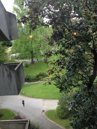 Mercure Angers Centre: Vue de la chambre sur le jardin des plantes