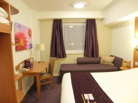 Premier Inn London Gatwick Airport (North Terminal) Hotel: Room