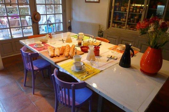 Table du petit-déjeuner Can Oliba