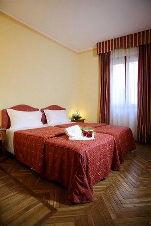 Hotel Cavour: Camera doppia letti singoli
