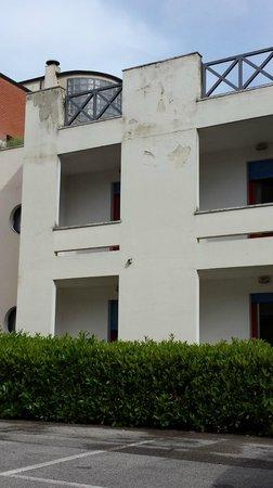 Hotel Executive: vista esterna laterale delle camere