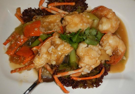 Jumbo Seafood : Lobster in a chinese soup