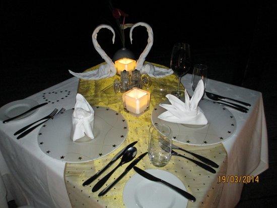 Anahita Golf & Spa Resort : Romantic Dinner on the Pier