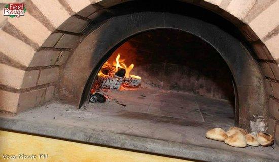 Forno a legna a pietra lavica picture of biancaneve e i sette nani palermo tripadvisor - Pietra per forno elettrico ...