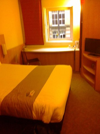 Ibis Manchester Centre Portland Street: my room