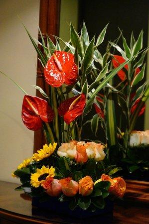 Mercure Hotel Alameda: Hermosos arreglos florales