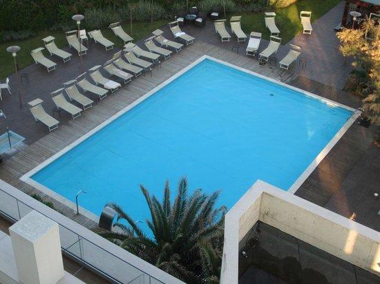 Hotel Sarti: Pool nach dem Sonnenbad