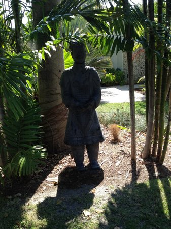 Miami Beach Botanical Garden: Asian warrior