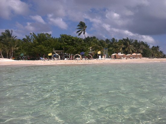 Cocoplum Beach Hotel: Vista desde Rocky kay