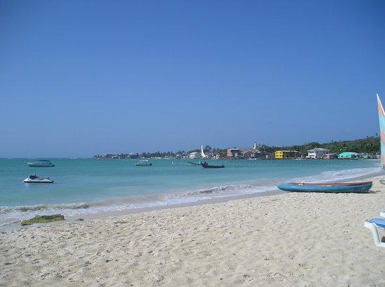 Cocoplum Beach Hotel: Playa del hotel Cococplum