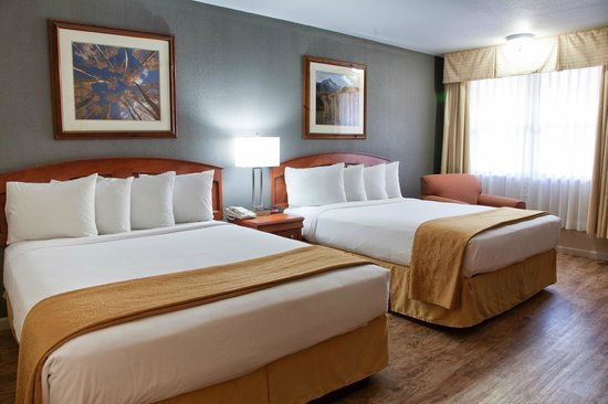 Quality Inn Durango: 2 Queen, Pet-Friendly Room