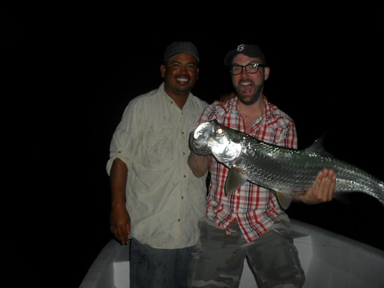 Barefoot Fisherman Expeditions : 15-pound tarpon