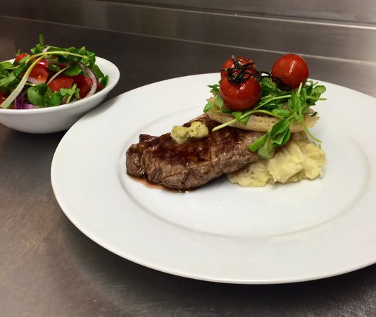 Lochcarron Bistro : Sirloin of Scottish Beef