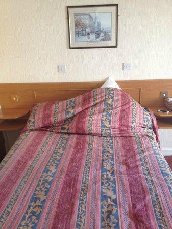 Devon Bay Hotel : bedroom