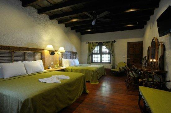 Hotel Granada: JUNIOR SUITE