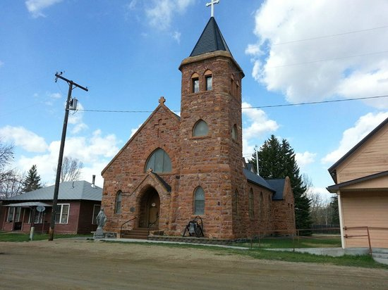 Elijah's Rest Cabins & Breakfast : Catholic Church built in the 1860's in Laurin, MT, located only 1000ft from Elijah's Rest B&B Ca