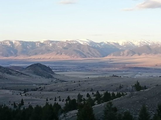 Elijah's Rest Cabins & Breakfast : View of Neighboring Madison Valley from just west of the Ruby Valley (where Elijah's Rest is Loc