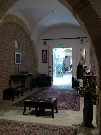 Carmine Hotel: Hall