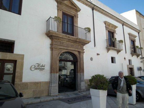 Carmine Hotel: Façade