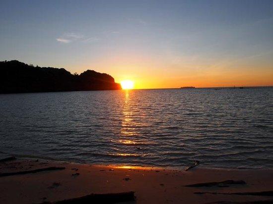 Carp Island Resort : Sunrise @ Carp