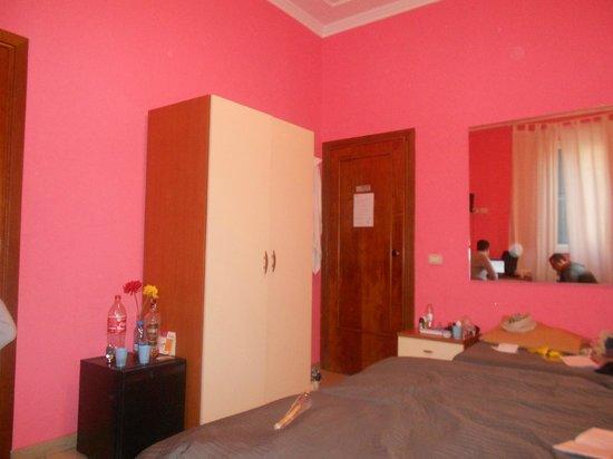 Hotel Alius: room 8