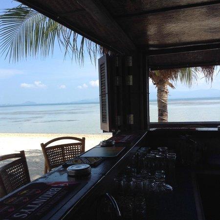 Phangan Beach Resort : Bar at Pbr