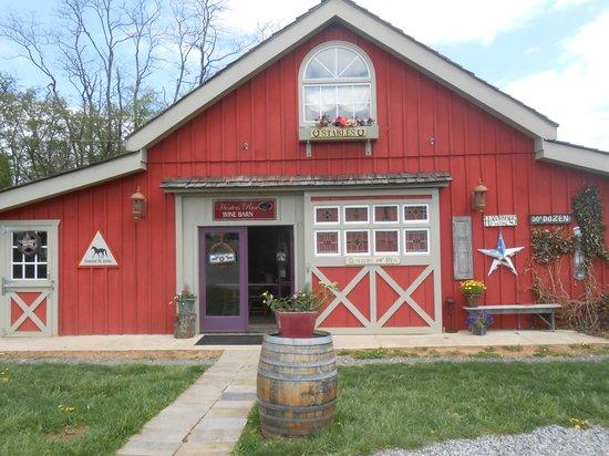 Hunters Run Winery: Hunters Run Wine Barn