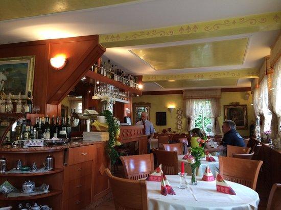 Ilsfeld, Deutschland: Blick in den netten Gastraum