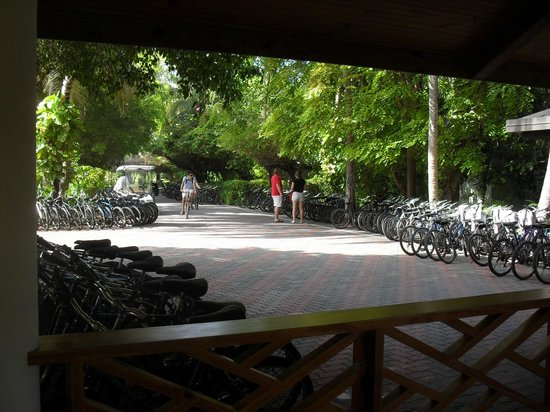 Sun Island Resort: велики за 3 бакса