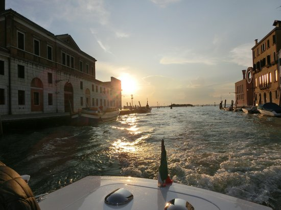 Palazzo Cendon: Die Anfahrt mit dem Wassertaxi