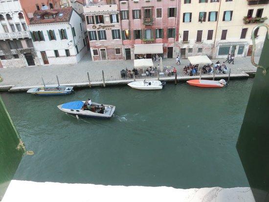 Palazzo Cendon: Blick aus dem Fenster zum Canal