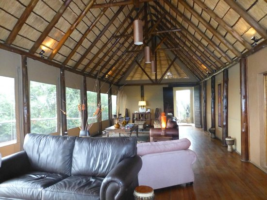 Amakhala Game Reserve: another angle of the Main lodge