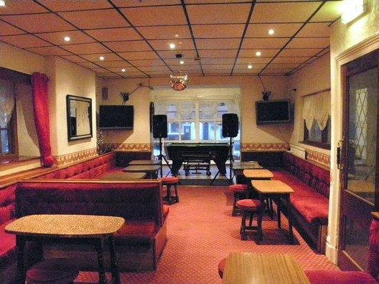 New Douglas Hotel : Bar