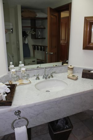 Casa Velas: Bathroom
