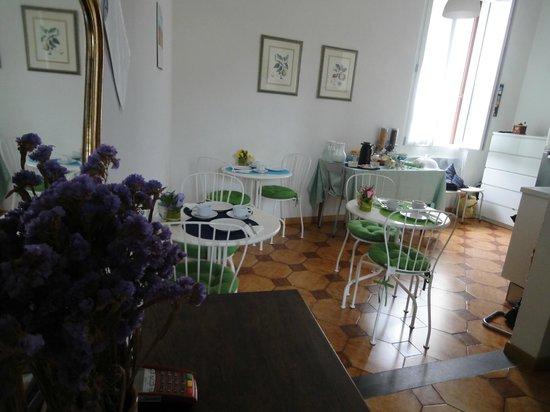 B&B Le Contesse Florence: Sala Colazione