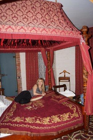 Castle Hotel Nesselbeck : В номере для новобрачных