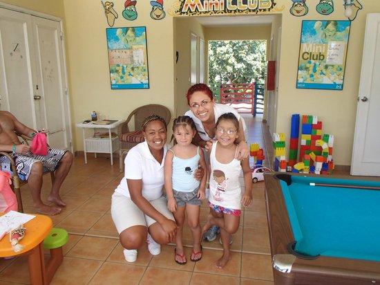 Melia Cayo Santa Maria: Con las chicas del Club para niños