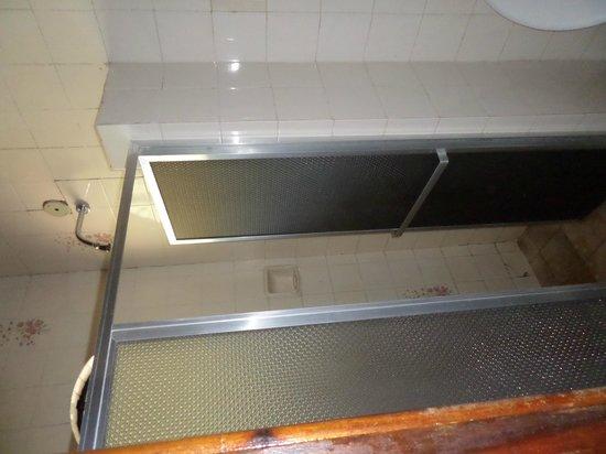 Hotel Fazenda Caluje: Banheiro