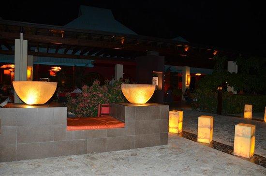 Dreams La Romana Resort & Spa : l'entrée du restaurant asiatique