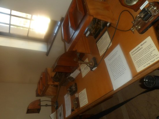 Alice Springs Telegraph Station Historical Reserve : Morse equipment