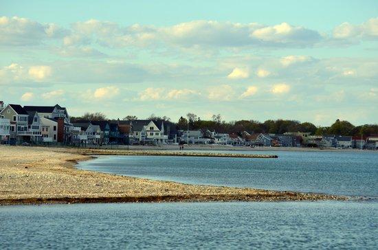 Silver Sands State Park: Connecticut coastline