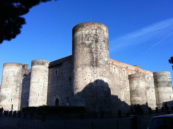 Museo Civico Castello Ursino: Il castello