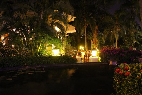 Casa Velas: View of Emiliano's from terrace seating area