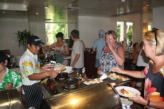 Centara Kata Resort Phuket: morgenmadbuffet