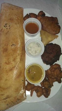 Kerala Cafe: Chicken Masala Dosa
